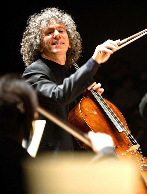 Steven Isserlis playing cello (c) Satoshi Aoyagi