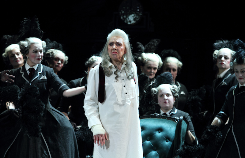 Felicity Palmer as Countess and cast-in The Queen of Spades (C) ROH and Catherine Ashmore