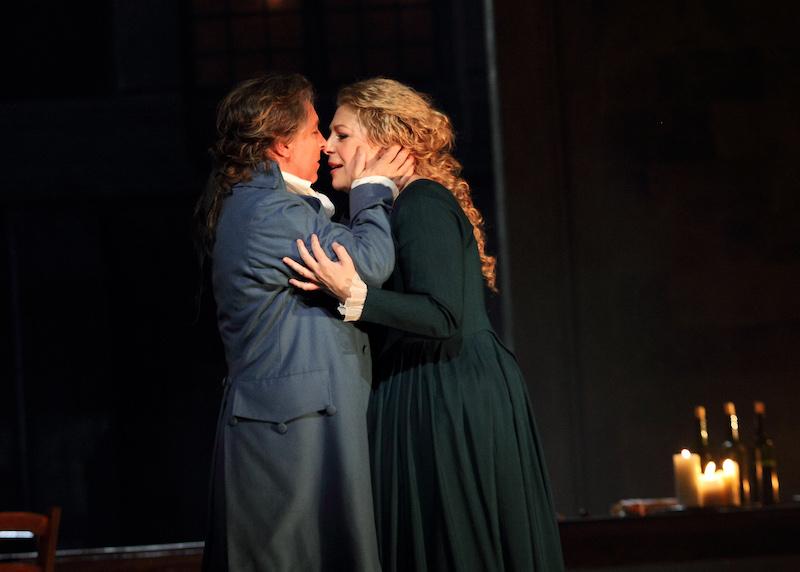 Roberto Alagna as Andrea Chénier and Sondra Radvanovsky as Maddalena di Coigny (c) ROH/Catherine Ashmore