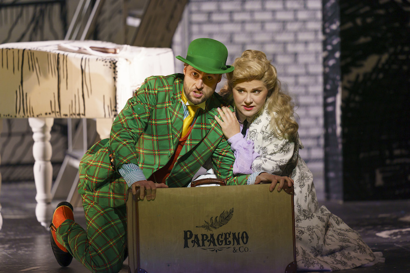 Björn Bürger (Papageno) and Sofia Fomina (Pamina)